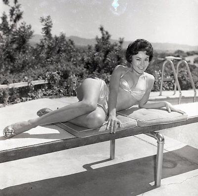 1960s Ron Vogel Negative, sexy pin-up girl Lorraine Campbell in bikini, t220757