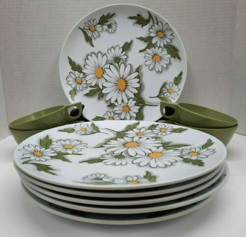 """Texas Ware 7- Daisy Plates 10"""" 4 Green Cups Vintage"""