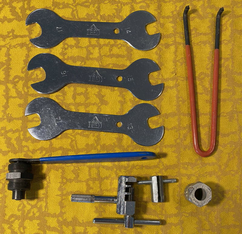 Park Tool CCP-1 Bicycle Crank Removal Tool Plus Wrenches Spoke Tool Lot