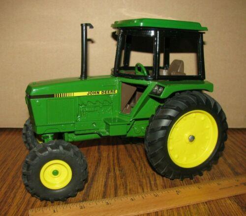 John Deere 2955 2755 2555 2355 Utility Tractor 1/16 Ertl Toy Die Cast Metal jd