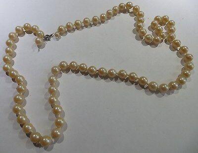 Collier de perles ras du cou 4