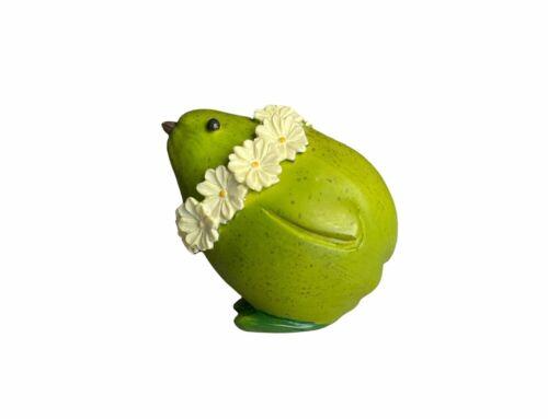 Enesco Home Grown Mini Anthropomorphic Pear Hen Chick with Wreath Figurine