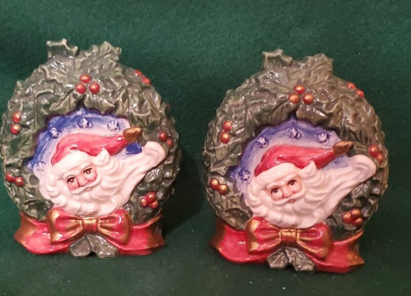 FITZ AND FLOYD ONMIBUS  1996 SANTA WREATH  SALT AND PEPPER SHAKERS