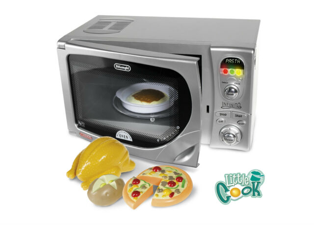 Casdon Delonghi Toy Microwave Pretend play