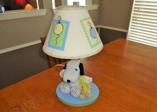Lambs & Ivy Peek a Boo Snoopy Baby Nursery Decor Lamp