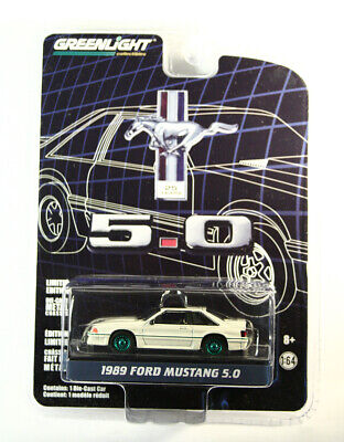 GreenLight GREEN MACHINE 1989 Ford Mustang 5.0 Anniversary Collection S7 CHASE