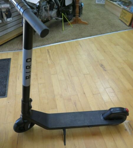 Bird Air Foldable Electric Scooter - WITH POWER CHARGER NICE NICE