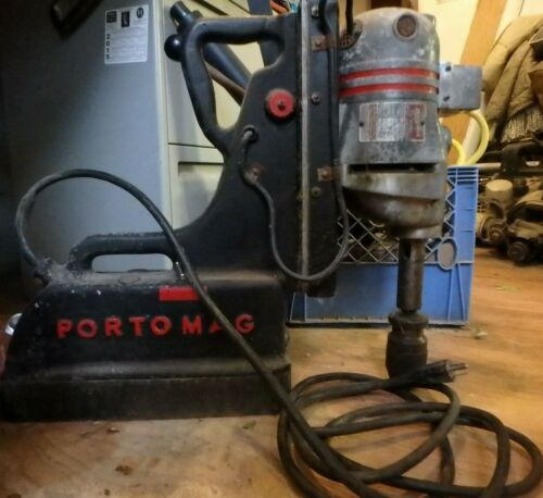 "MILWAUKEE 1/2"" Magnetic Drill Press 0582 R"