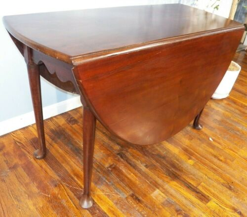 """Antique Mahogany Queen Anne Dropleaf Table large 48""""x 55"""" Circa 1740-60 pad foot"""