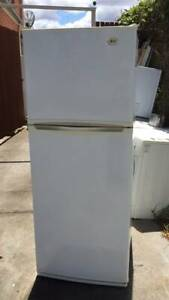 good size 432 liter LG fridge   it is in good working .   Dimensions i
