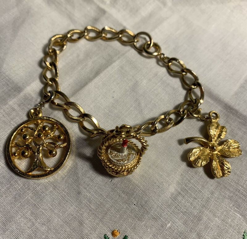 """Gold Tone 7-1/2"""" Charm Bracelet Birthday Tree And Clover Charms BR-25"""