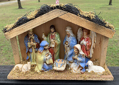 Porcelain White Nativity in Stable 10 Piece Set Attached Inside Gold Paint Grass