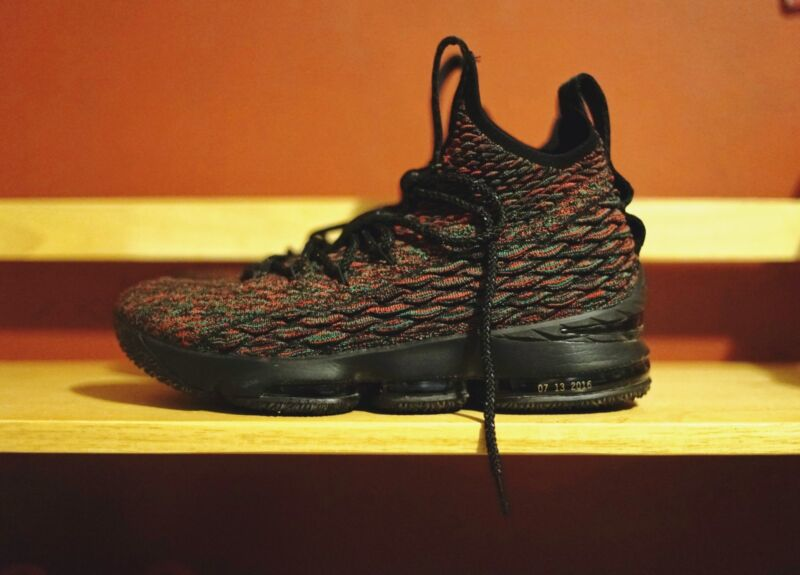 a5983fd596f Nike LeBron 15 BHM XV Limited Multicolor Black History Month Size 10 ...