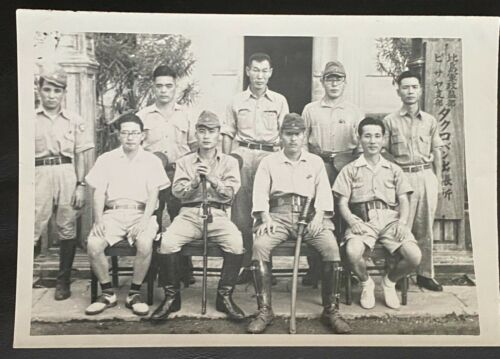WW II  -  Original Japanese Officers / Soldiers in a Group  - Super RARE !