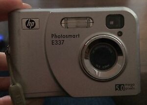 HP photosmart E337 digital camera
