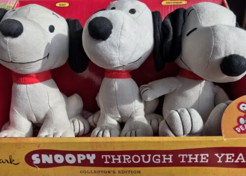 "Peanuts - ""Snoopy Through The Years"" Plush Set from Hallmark"