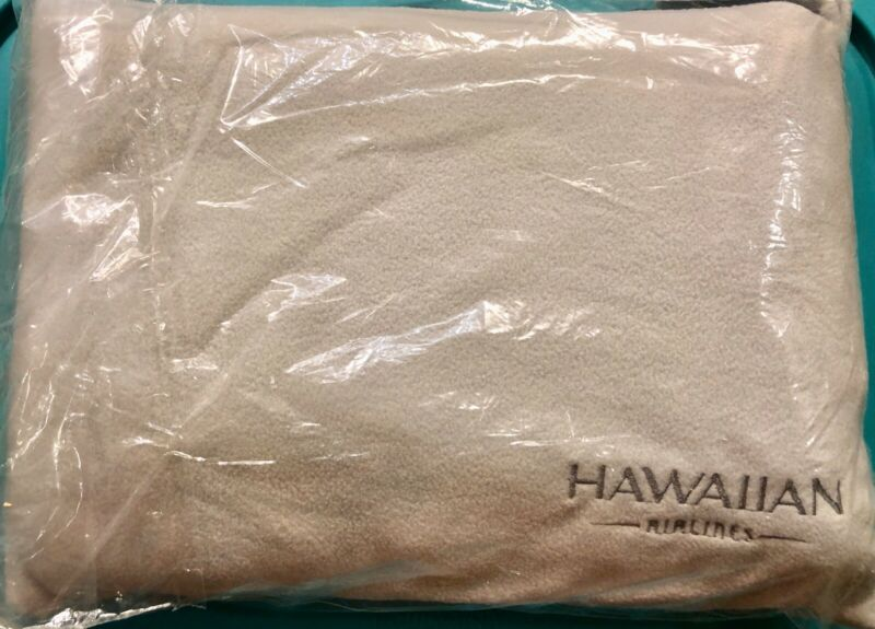 HAWAIIAN AIRLINES BUY ON BOARD BLANKET AND PILLOW FOR ECONOMY SET — SEALED