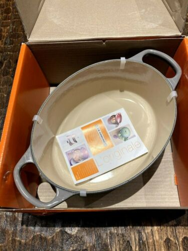 New Le Creuset Enameled Cast Iron Signature Oval Dutch Oven, 3.5 qt., Oyster