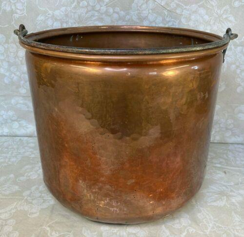 "Vintage 15-3/8"" Hammered Copper Pot w/ Cast Iron Handle No Makers Mark"