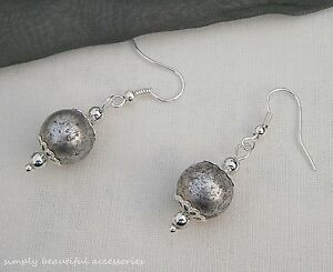 Vintage Style Silver Large Speckle Bead Filigree Caps Dangle Pierced Earrings.