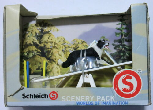 Schleich Dog Agility Scenery Pack 41803 (NEW - DAMAGED BOX)