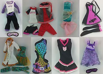 Monster High Fashion Shop 2 - Basic Outfits - Monster Outfits