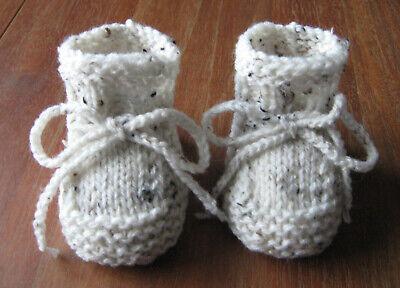 Babysöckchen*Babyschuhe*Socken*gestrickt*Handarbeit*natur*Tweed*9 cm*Taufe*Neu