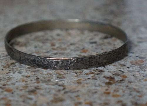 Vintage Southwestern Style Silver Floral Bangle Bracelet - Mexico Signed