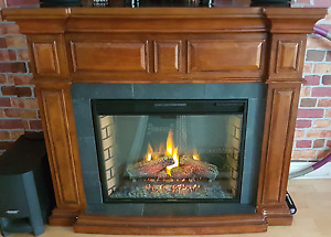 Electric Fireplace with Wooden Encasing/Mantle (Used - Great)