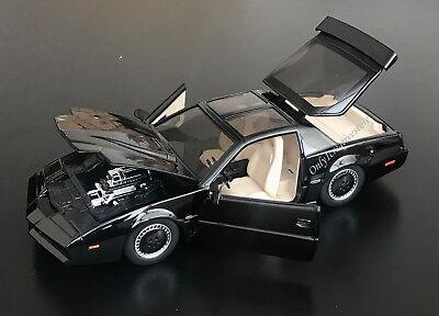 JADA Hollywood Rides K.I.T.T. Knight Rider 1982 Pontiac Firebird with Light 1:24