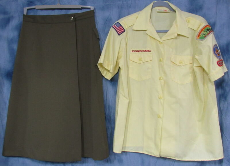 BSA BOY SCOUTS OF AMERICA DEN LEADER XL YELLOW S/S SHIRT & SKIRT SIZE 12 PATCHES