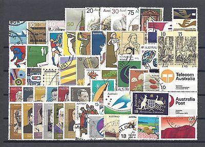 AUSTRALIA 1973-76 Commemorative Sets Cat £35.90