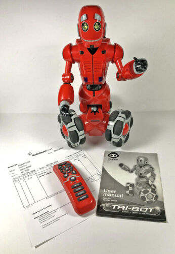 2008 WowWee Tri-Bot Talking Robot with Remote Control, User Manual, & Orig Recpt