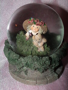 KIM ANDERSON HIDE AND SEEK SNOW GLOBE GIRL LARGE SUNHAT  248827 FOREVER YOUNG