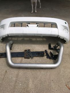 Hilux nudge bar  2007 front skirting and bar
