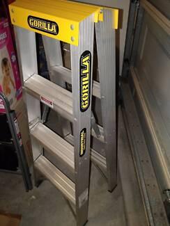 Step ladder- Gorilla brand - VGC