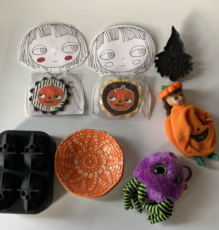 Lot Of Halloween Items Ice Cube, Dish, Brooch, Cookie Cutter