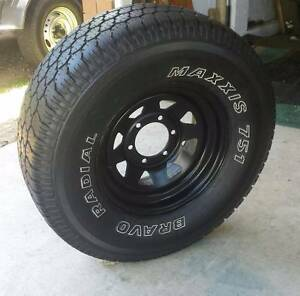 "15"" SUNRAYSIA 4X4 WHEEL AND 31"" TYRE MAXXIS 751 BRAVO RADIAL Kallangur Pine Rivers Area Preview"