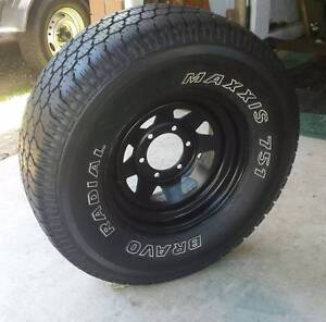 """15"""" SUNRAYSIA 4X4 WHEEL AND 31"""" TYRE MAXXIS 751 BRAVO RADIAL Kallangur Pine Rivers Area Preview"""