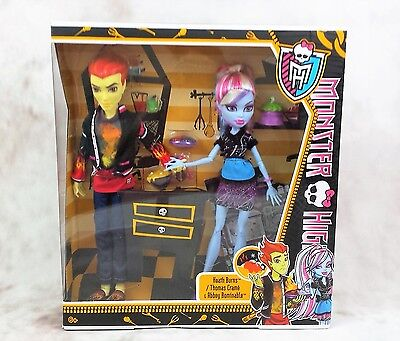 Monster High Home Ick Abbey Bominable & Heath Burns .BNIB