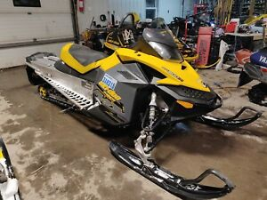 LOW KM 2008 Skidoo Renegade XP 800R