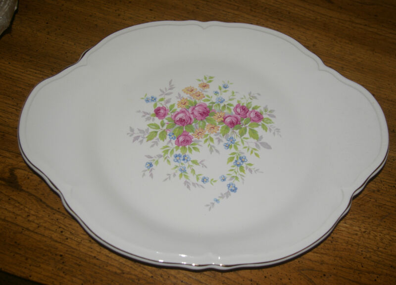 """EDWIN KNOWLES 13"""" PLATTER MADE IN USA ROSES 47-11 NO WEAR LIGHT CRAZING"""