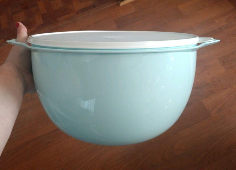 NEW! Tupperware Thatsa® Mega Bowl Aquamarine - 42 Cups FREE US SHIP