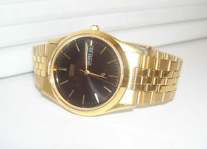 Citizen Quartz Mens Gold Tone / Black Face Dress Watch - Hardly Worn