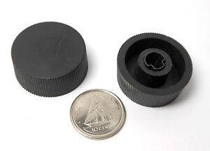 2x-KNOBS-HAM-RADIO-AMP-New-Old-Stock-PLASTIC-Push-On-1-4-D-Flat-Shaft