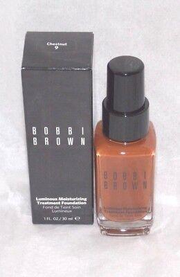 Bobbi Brown Luminous Moisturizing Treatment Foundation in Chestnut #9 -Boxed