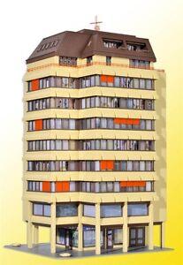 Kibri 38218 HO Hochhaus mit Ladenpassage und Penthauswohnung Bausatz *Neu*