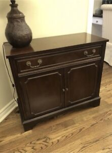 Knechtel mahogany, pristine condition, buffet table ,corner