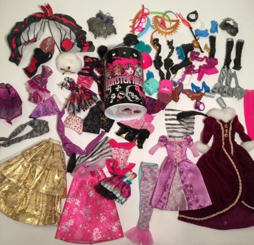 MATTEL MONSTER HIGH DOLL GIRLS CLOTHES ACCESSORIES LOT SHOES DRESS GOWN HAT