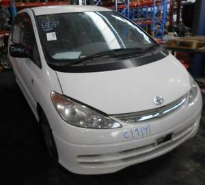 WRECKING 2001 TOYOTA TARAGO 2.4 AUTOMATIC WAGON (C19141) Lansvale Liverpool Area Preview